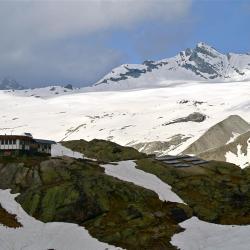 Le refuge des Evettes et le Glacier du Mulinet